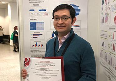 El Dr. Eugenio Freire presenta el póster sobre Rehabilitación Multimodal en Congreso