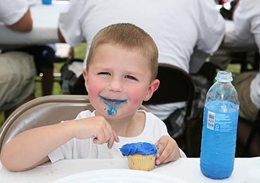 Cómo debe de ser la alimentación de niños y adolescentes