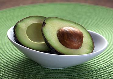 ¿Qué alimentos ayudan a combatir el colesterol?