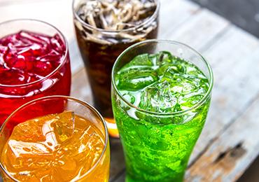 Los efectos negativos para la salud de las bebidas con gas