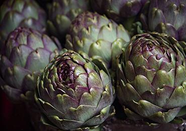 ¿Qué alimentos tienen propiedades antioxidantes, antiinflamatorias y depurativas?