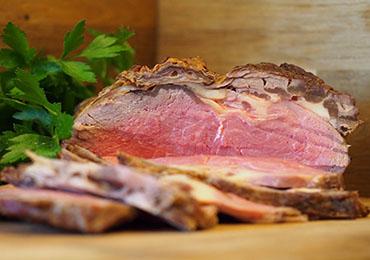 Las mejores carnes para asados navideños y cómo prepararlas